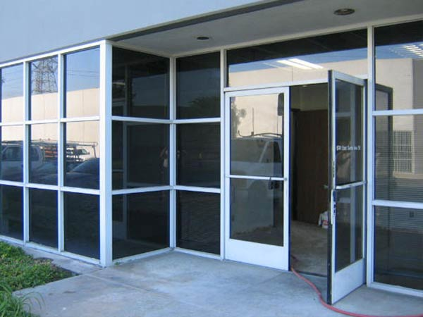 Commercial Glass Instalation